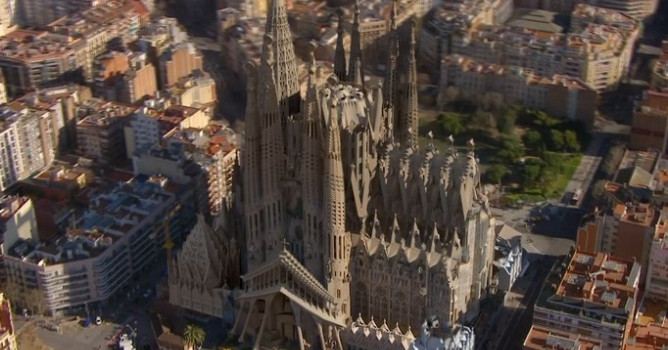 animation of gaudi 39 s finished sagrada familia church in. Black Bedroom Furniture Sets. Home Design Ideas