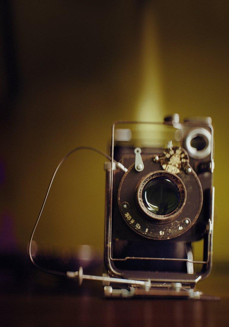 Vintage_large_format_camera_at_the_studio_900_00050.jpg
